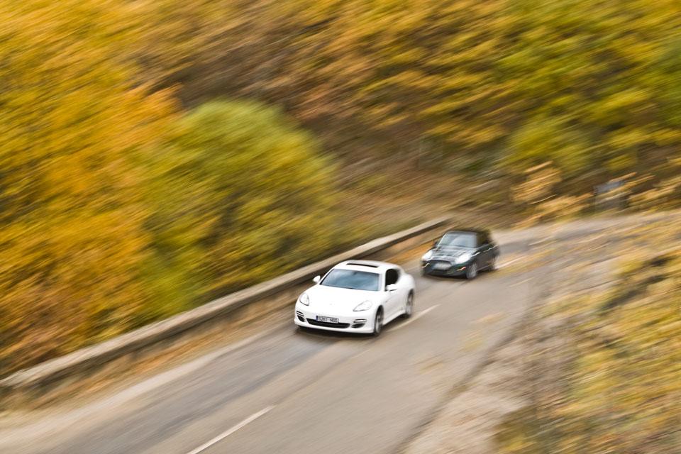 Porsche Panamera vs Mini