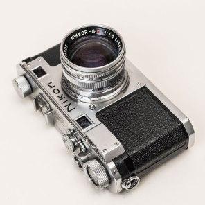 Nikon S