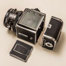 11-Hasselblad-500-CM