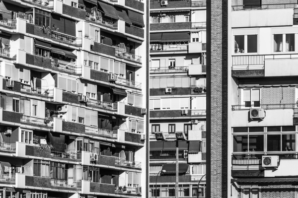 3 fachadas. Serie Las Colmenas. Madrid, 2016.