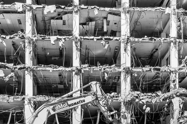 Demolición del edificio de Cecabank, Madrid.