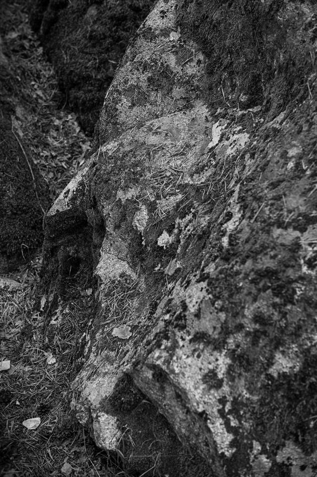 El hombre de piedra se echa una siesta. Puerto de Canencia, Madrid.