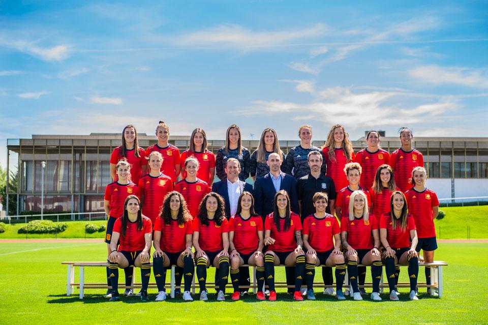 Selección española femenina de fútbol